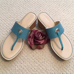 SUMMER READY turquoise wedge sandals!! 👡👡